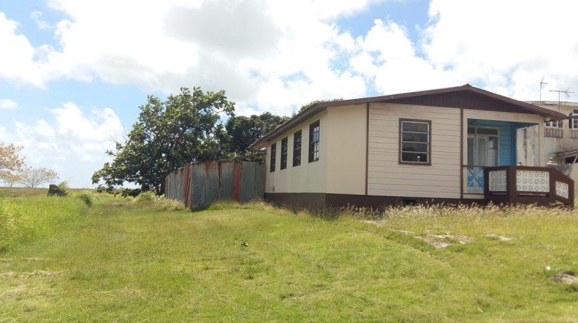 For Sale - 3 Bedroom 1 Bathroom Unfurnished House
