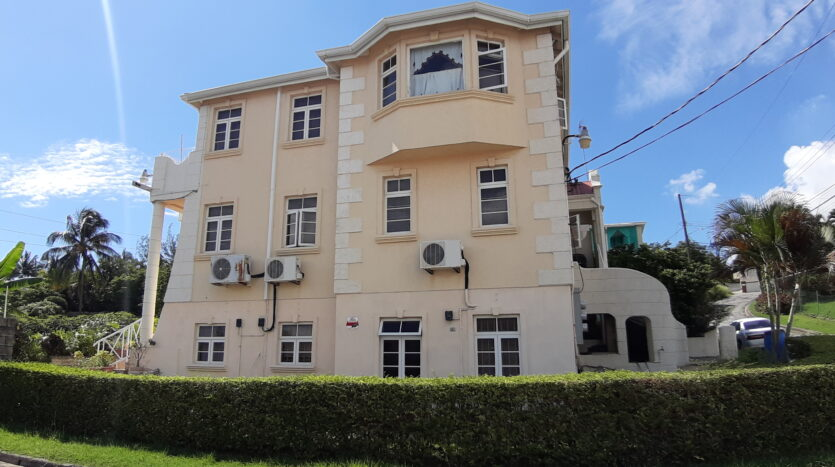 Fully furnished apartment for rent in Warrens